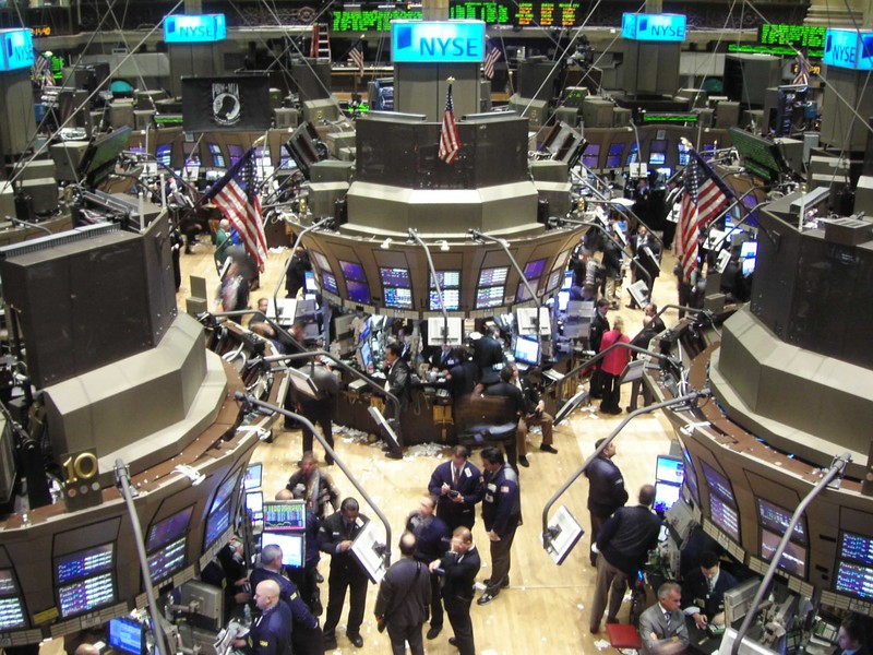 http://victorpicarra.files.wordpress.com/2011/02/le_floor_de_wall_street.jpg