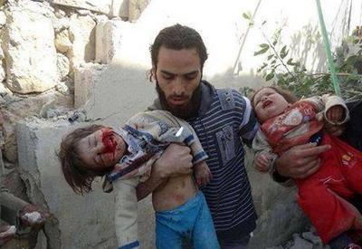 Dinfâmes-terroristes-du-Hamas-justement-punis-par-Tsahal-larmée-la-plus-morale-du-monde-dixit-BHL